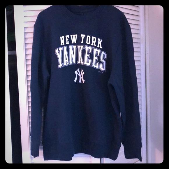 d72eaaa429bc1 Fanatics Shirts | New York Yankees Sweatshirt | Poshmark